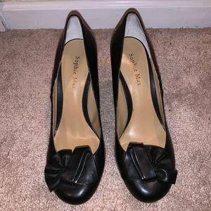 Women's Black Round Heels